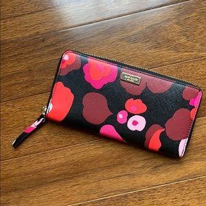 Kate Spade Spencer Wallet   pink/red flower